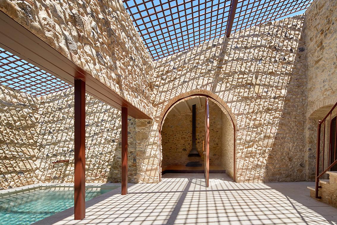 Rehabilitación de una Masía en el Empordà – Arquitectura G |Arquetipos
